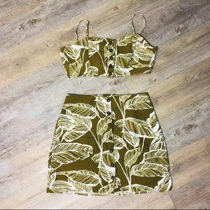 Crop top & skirt tropical set